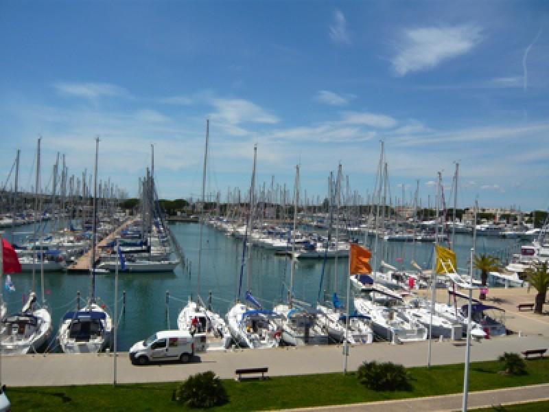 Offres locations vacances 39 les jardins du port 39 r sidence for Le jardin de plaisance 87